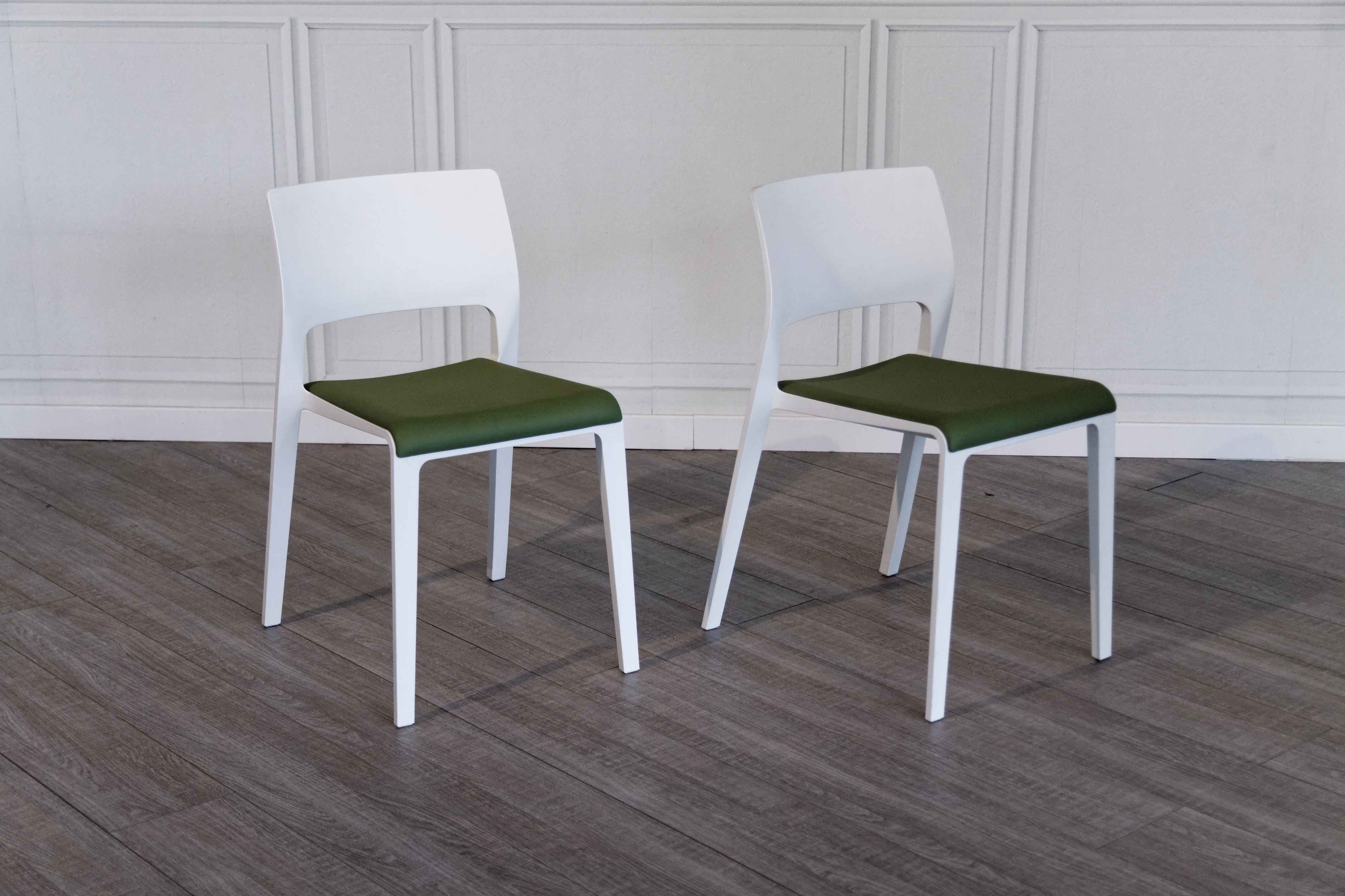 Sedie Arper Outlet.Arper Juno Chair In Quick Delivery Salvioni Design Solutions