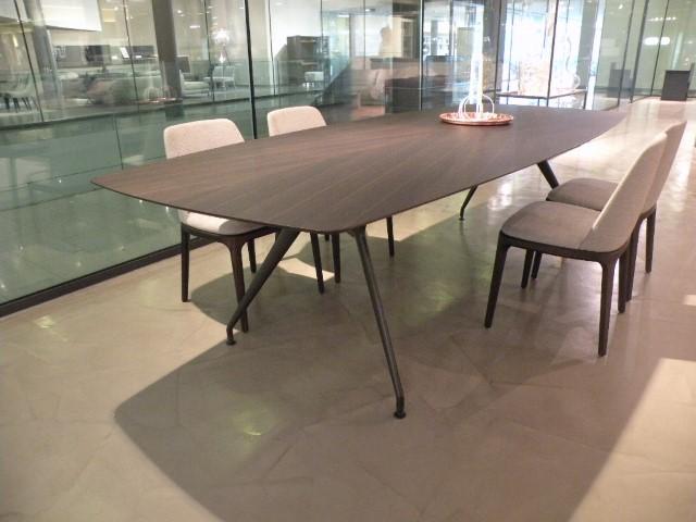 Tavolo Manta Rimadesio.Rimadesio Manta Table In Quick Delivery Salvioni Design
